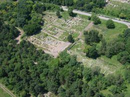 Самолетна снимка на епископския комплекс - Исторически музей град Свищов